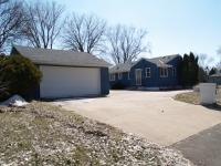 5826 Ewing Ave N, Brooklyn Center, MN 55429