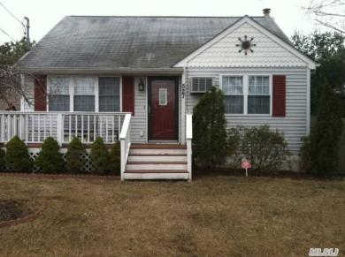 527 Lenox, East Patchogue, NY