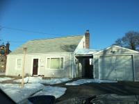 43 Park Circle, Farmingdale, NY 11735